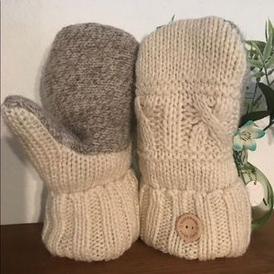 Cozy warm mittens made from recycled wool sweaters